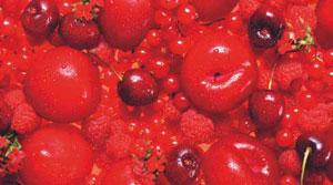 Zapachów czerwonego wina należy szukać wśród czerwonych owoców/Fot. AEWC