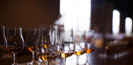 Jak ocenić dobrą whisky?