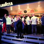 Stoisko kawowego partnera Gali i Żółtego Przewodnika cieszyło się sporym powodzeniem. | fot. Czas Wina