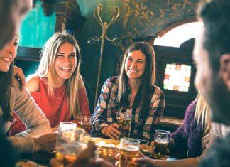 Czy następne pokolenia Brytyjczyków będą interesować się winem? | fot. View Apart / shutterstock