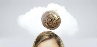 Czego pragną kobiety? | grafika © Czas Wina | fot. Peshkova / shutterstock | astrolab fot. Rama / Wikimedia Commons