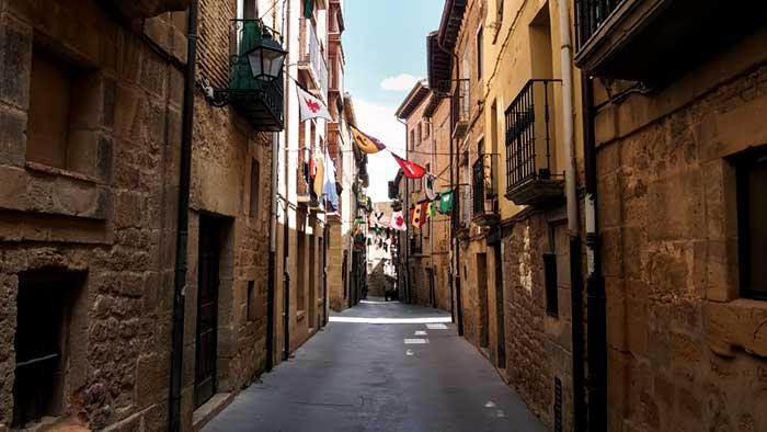 Laguardia miasteczko wśród winnic ulice