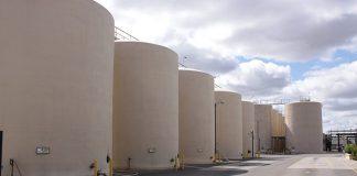Zbiorniki do fermentacji wina w Kalifornii