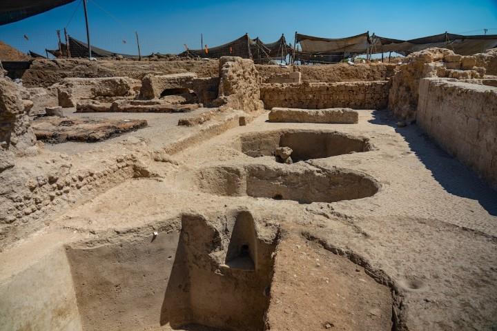 Na wykopaliskach odnaleziono pięć dużych pras produkujących około dwóch milionów litrów wina rocznie | fot. Yaniv Berman the Israel Antiquities Authority